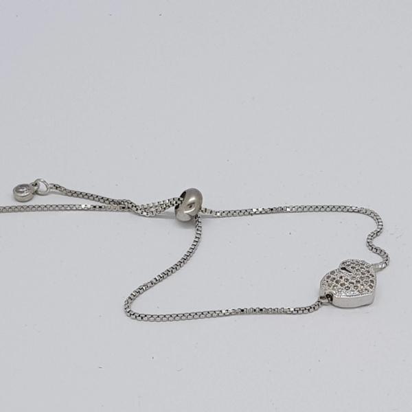 small heart style bracelet in silver